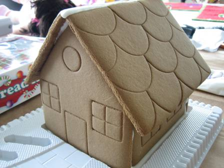 first-gingerbread-house-002-rs